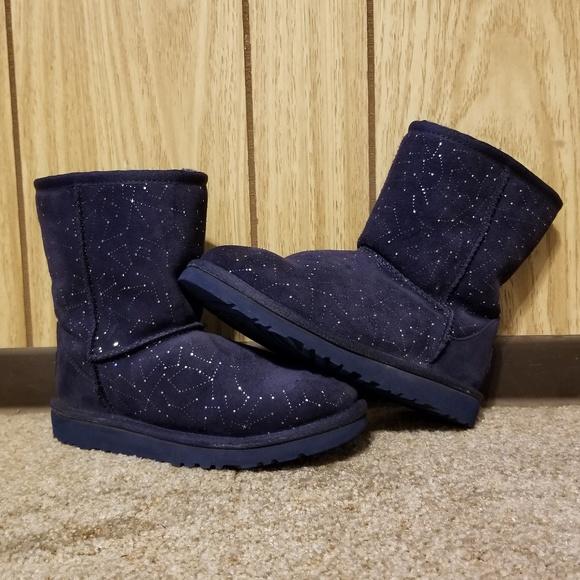 a098721d86e EUC UGG Kids Constellation Classic Short Boot - 3
